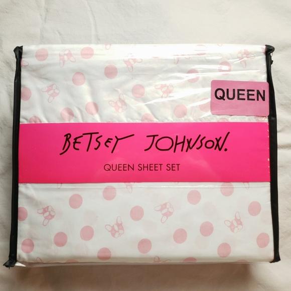 Betsey Johnson Other - Betsey Johnson Queen Sheet Set French Bulldog
